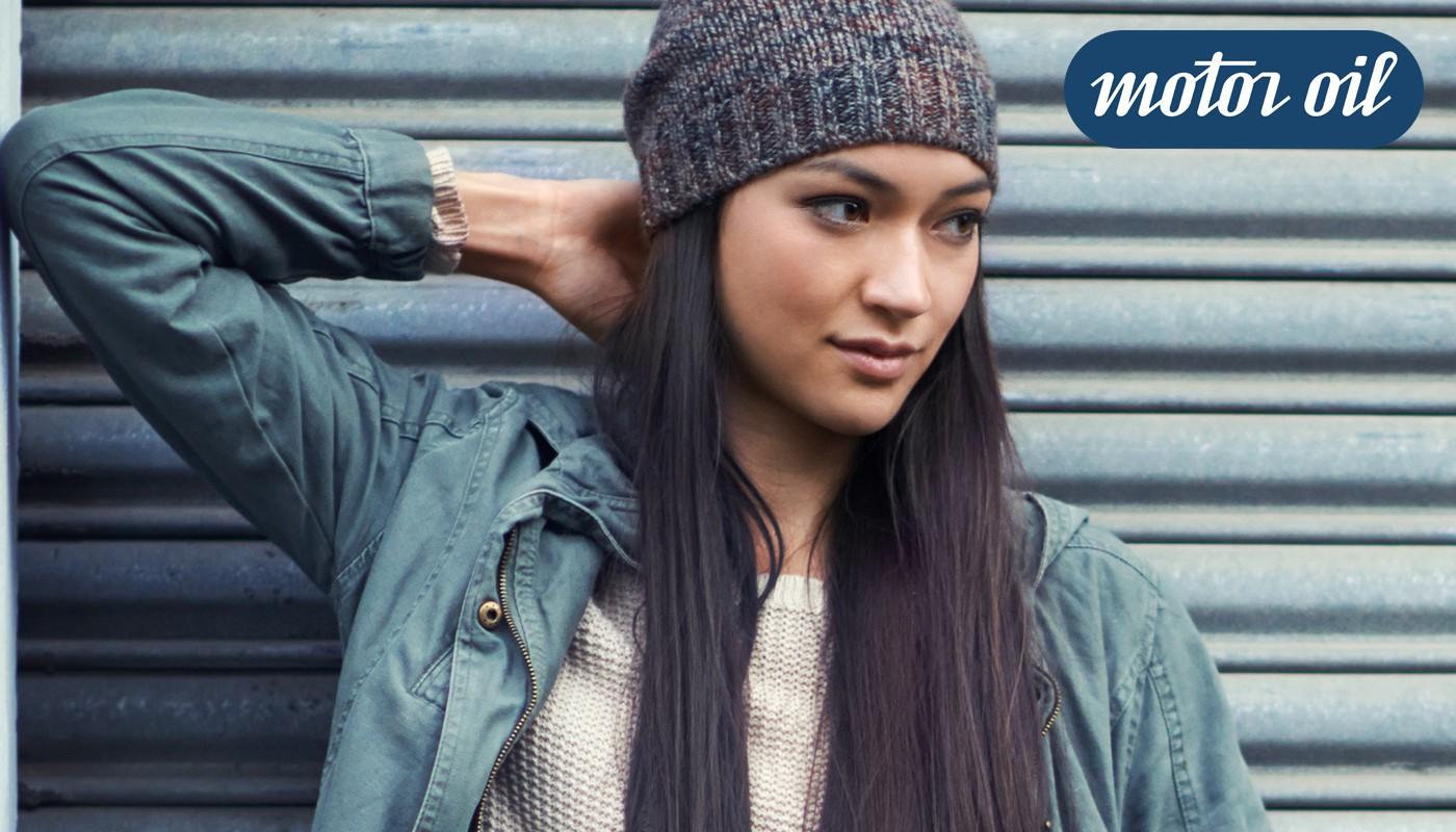 mujer modelo jeans Motoroil